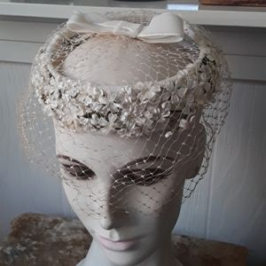 Vintage Open Netted Hat With Flowers